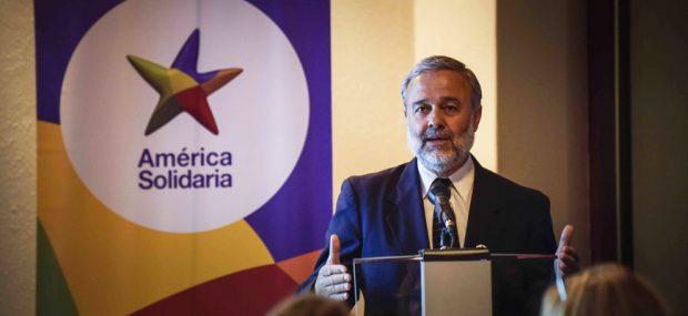Benito Baranda, presidente ejecutivo de la Fundación América Solidaria (Foto: www.sociedadanonima.cl).