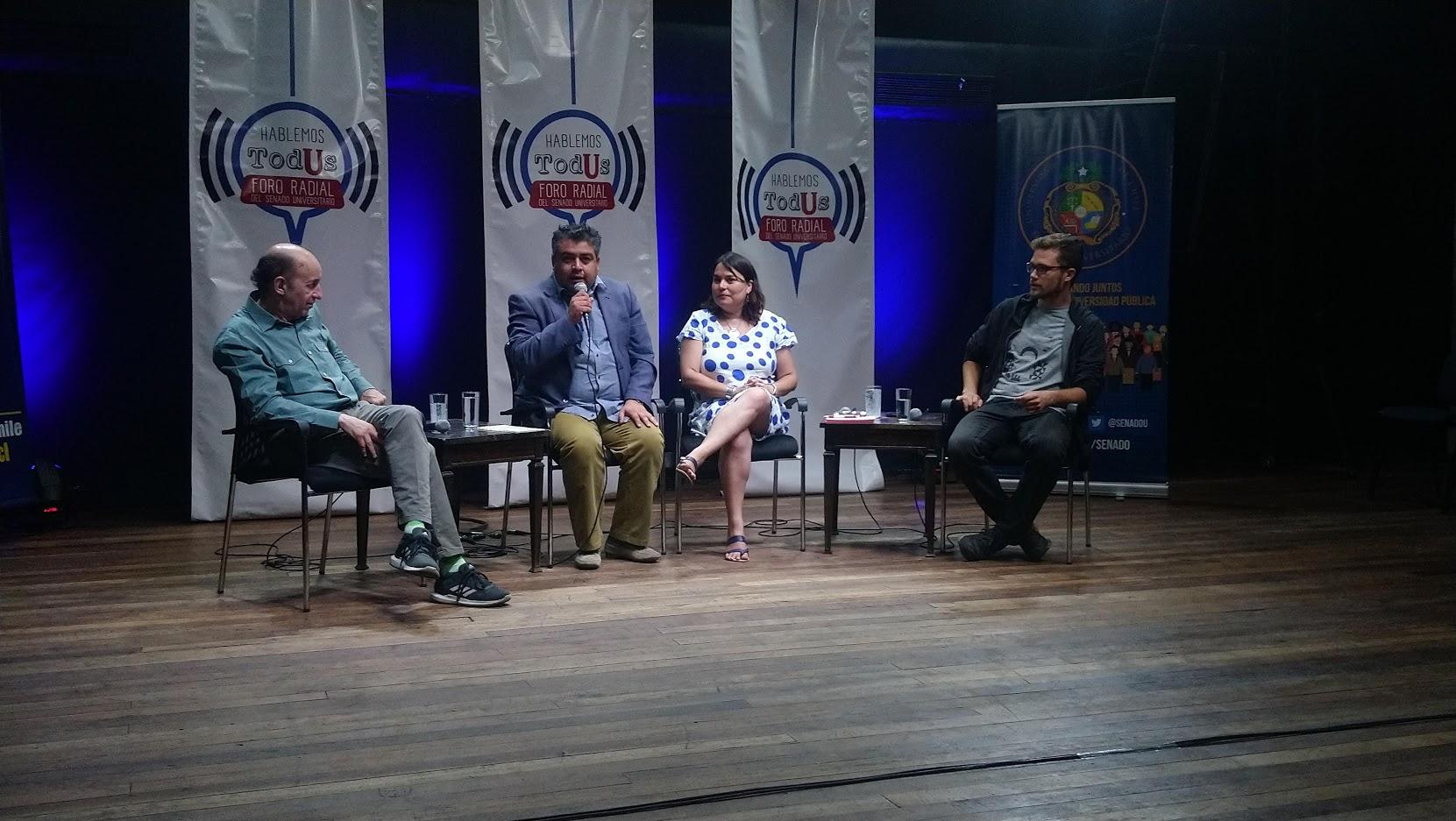 Foro Radio Uchile - Panelistas