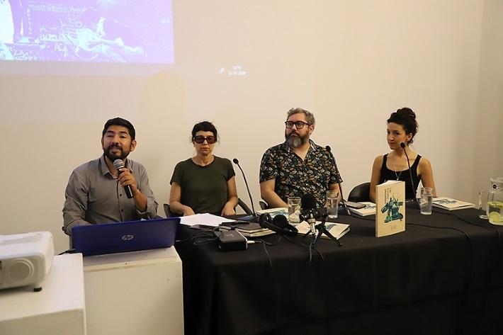 Los expositores fueron Andrea Gana, directora de Delight Lab; Paulina Mellado, directora del Centro de Estudios Coreográficos; y Luis Horta, director de la Cineteca, ambos de la Universidad de Chile.
