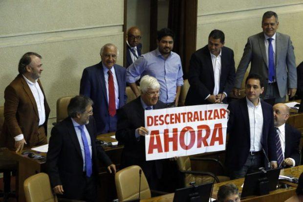 Fue en el 2 de febrero de 2018, a casi un mes del término del segundo mandato de Michelle Bachelet y casi un año después de que ingresaron al Congreso, que se promulgaron las dos leyes que regulan este proceso. Foto: ATON.