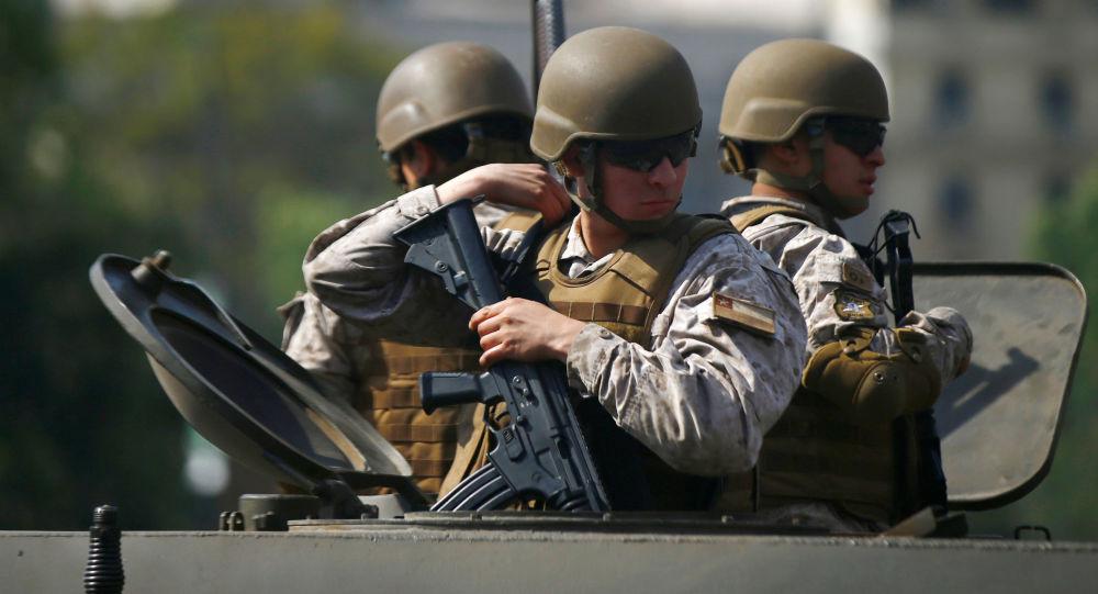 Este lunes la Sala del Senado revisará el proyecto que busca modificar la Ley Orgánica Constitucional de las Fuerzas Armadas para permitir el resguardo de infraestructura crítica. Foto: Edgard Garrido / Reuters