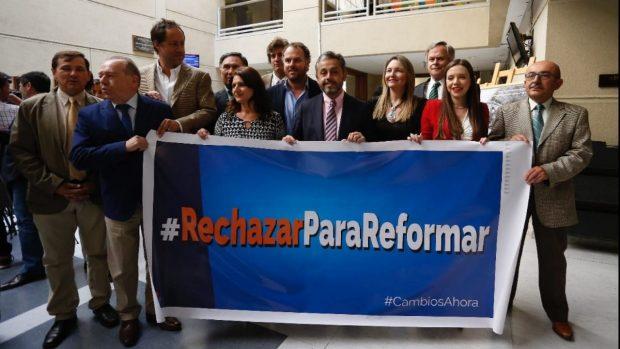 Hoy en día la campaña #RechazarParaReformar dentro de Renovación Nacional es mayoría y sigue ganando adeptos. No obstante, distinta es la posición de la Juventud RN, en donde su Directiva Nacional se manifestó en favor del 'Apruebo'. Foto: Comité RN.