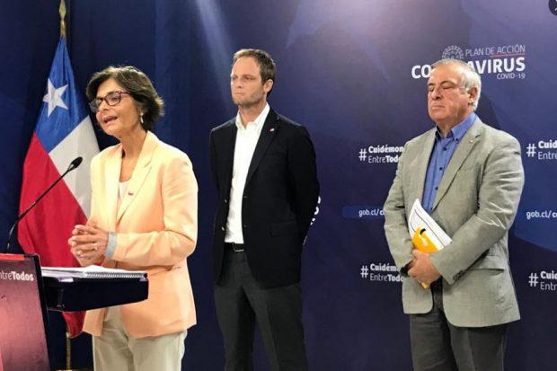 Este lunes, la vocería desde el Palacio de La Moneda estuvo a cargo de los subsecretarios de Salud Pública, Paula Daza, y Redes Asistenciales, Arturo Zúñiga. Foto: Ministerio de Salud.