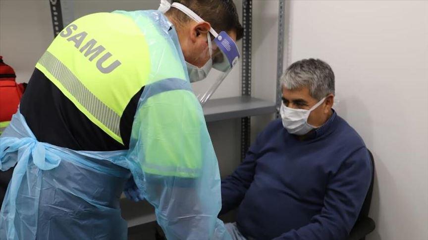 """El titular de Salud, Jaime Mañalich, detalló que conforme a """"la legalidad vigente, hemos dispuesto fijar un valor máximo para el examen de PCR de coronavirus, de 25 mil pesos máximo"""". Foto: Archivo."""