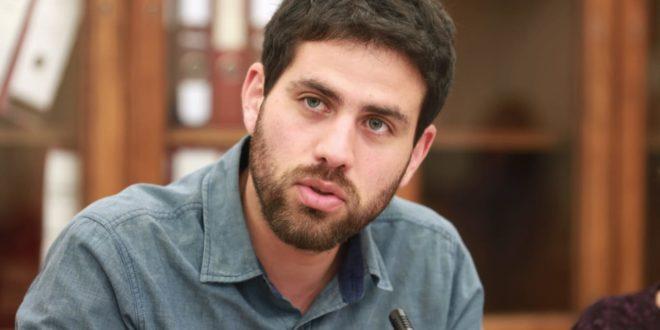 El diputado de Convergencia Social, Diego Ibáñez, es el representante del distrito N°6 de la Región de Valparaíso, correspondiente a las comunas de Quintero, Puchuncaví y La Ligua, entre otras de la zona. Foto: Cámara de Diputados.