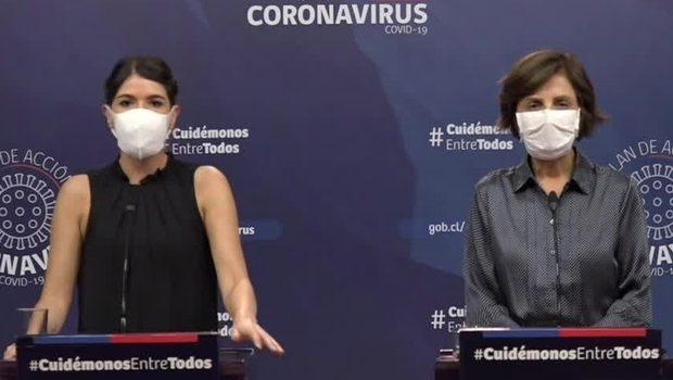 Las subsecretarias de Prevención del Delito y de Salud Pública, Katherine Martorell y Paula Daza respectivamente, realizaron la bajada de los anuncios que más temprano hizo el titular del Ministerio de Salud, Jaime Mañalich. Foto: Minsal.