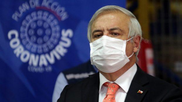 El ministro de Salud, Jaime Mañalich, deslizó polémicas declaraciones el pasado fin de semana y este lunes declinó encabezar la vocería en el Palacio de La Moneda. Foto: Agencia UNO.
