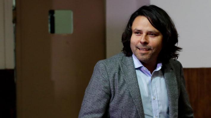 El sociólogo y ex candidato presidencial por el Frente Amplio, Alberto Mayol, es además académico de la Universidad de Santiago. Foto: Agencia UNO.