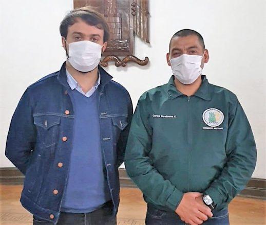 El alcalde de Valparaíso, Jorge Sharp, junto al sargento segundo y dirigente nacional de la Asociación Nacional de Suboficiales y Gendarmes (ANSOG), Carlos Fernández. Foto: ANSOG.