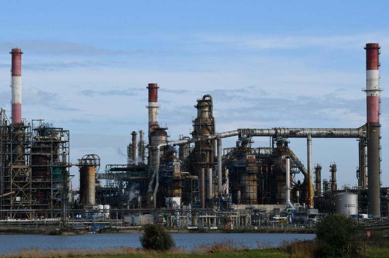 Una refinería de petróleo en Donges, Francia, en una imagen del 16 de enero de 2020.