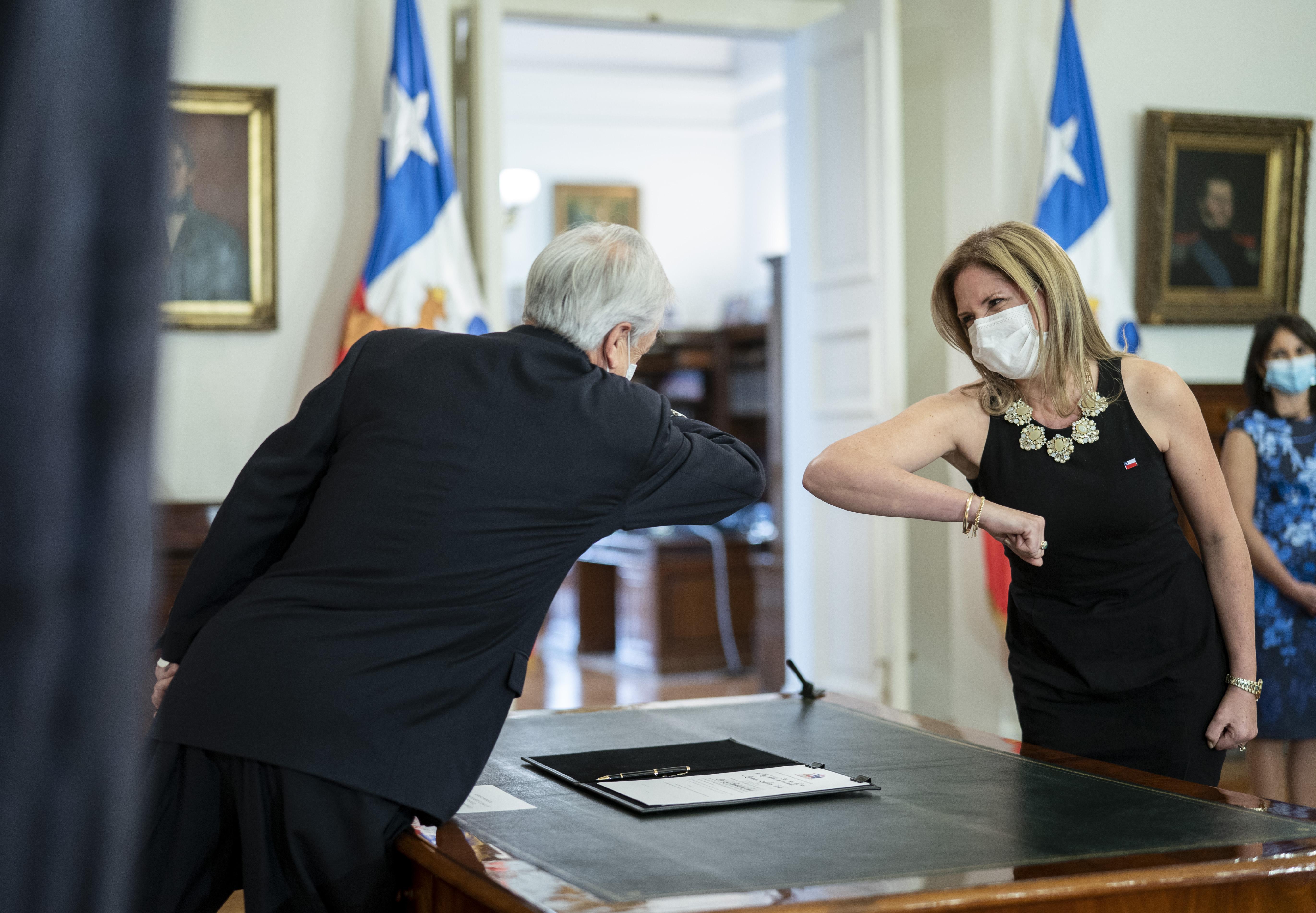 La nueva ministra de la Mujer y Equidad de Género, Macarena Santelices, es periodista, ex alcaldesa de la comuna de Olmué y ex vicepresidenta de la Unión Demócrata Independiente (UDI). Foto: Presidencia.