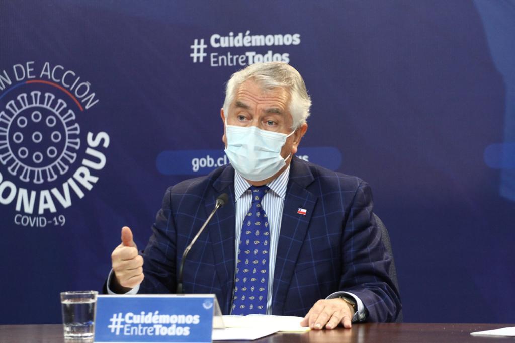 """El ministro de Salud, Enrique Paris, hizo un llamado a los municipios a hacerse parte de la lucha contra el coronavirus. """"Les pido encarecidamente que los alcaldes y la atención primaria nos acompañen"""" en la lucha contra la pandemia"""