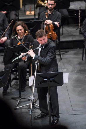 En la imagen, el solista Hernán Jara.