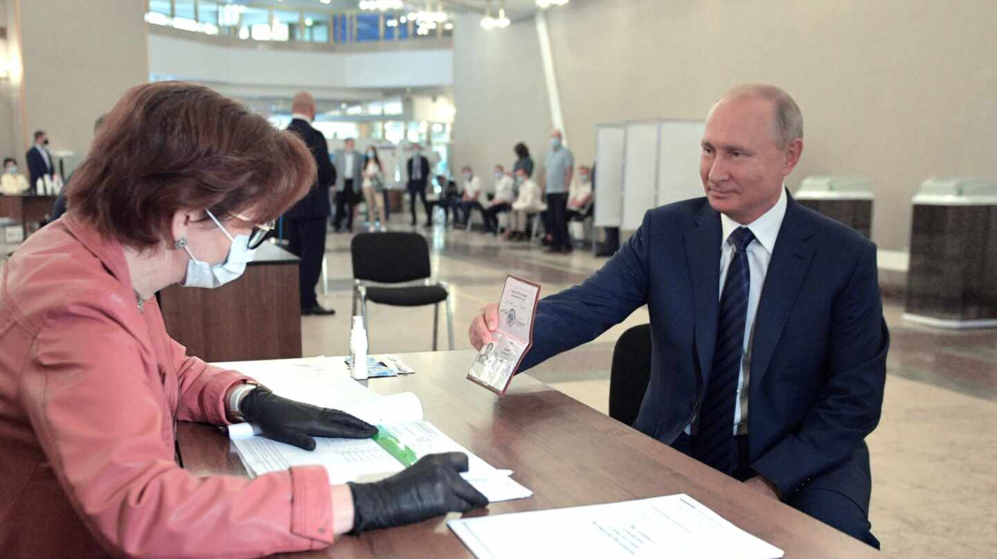 Russia votes on on amendments to Russian Constitution
