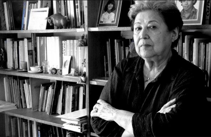 Carmen Berenguer, poeta y cronista. Una de las principales voces de denuncia y resistencia durante la dictadura cívico - militar. Nominada al Premio Nacional de Literatura 2020.