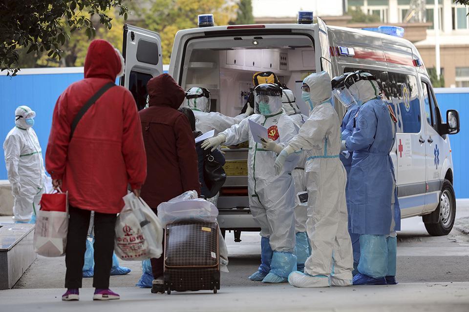 Según las cifras entregadas en el último reporte diario del Ministerio de Salud -27 de julio- los fallecidos con PCR confirmada inscritos en el DEIS eran 9.187. Foto Agencia UNO.