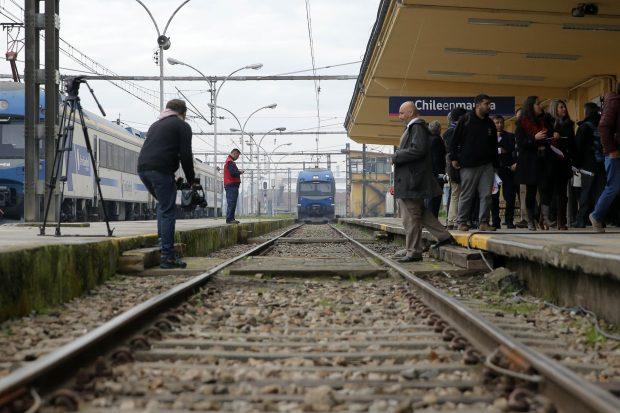 Presidente de la Republica, anuncia nuevo servicio de tren de pasajeros Chillán Alameda.