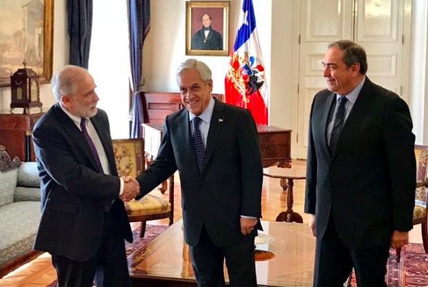 Carlos Montes (PS) se desempeñó como diputado entre 1990 y 2014, cuando pasó al Senado, en donde se mantiene actualmente. Fue presidente de la Cámara Baja (1999-2000) y de la Cámara Alta (2018-2019). Foto: Presidencia.