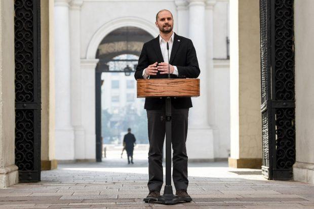 El ministro vocero de Gobierno, Jaime Bellolio, se refirió a la situación del machi Celestino Córdova desde el Palacio de La Moneda. Foto: Segegob.
