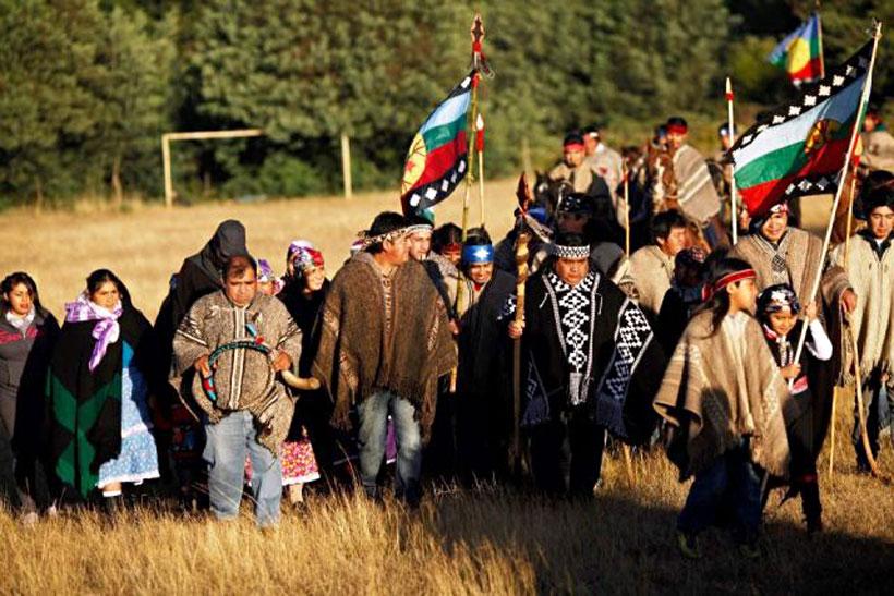 Desde las comunidades mapuche movilizadas en el Wallmapu criticaron que una vez más hayan sido excluidos de cualquier diálogo con el Gobierno. Foto: Radio UChile.