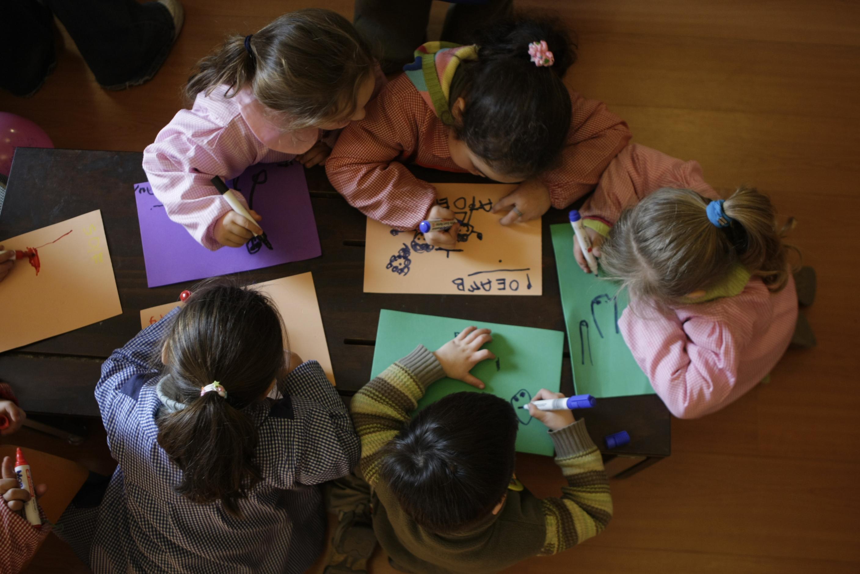 3 AGOSTO 2007  EVENTO CULTURAL DE PROMOCION  DE LOS DERECHOS  DELA INFANCIA .FOTOS DE LUIS SERGIO ACTIVIDAD POR EL DIA DEL NIÑO  NACIONAL - NIÑOS - PARVULARIOS - JARDIN INFANTIL - PINTANDO - TEMATICA - JUNJI - JUNTAN NACIONAL DE JARDINES INFANTILES - PAG014