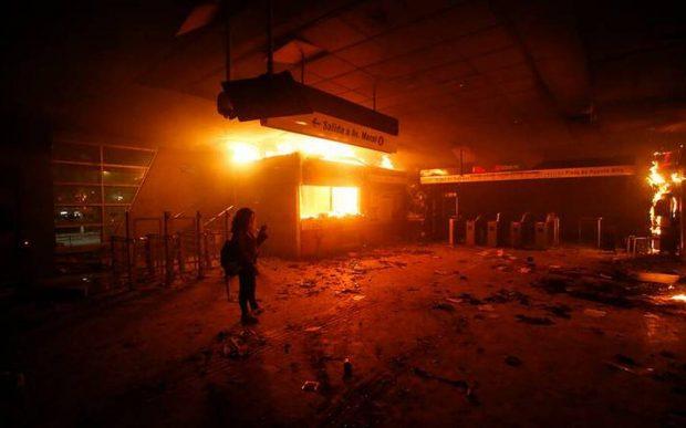 Incendio en el metro Pedreros.