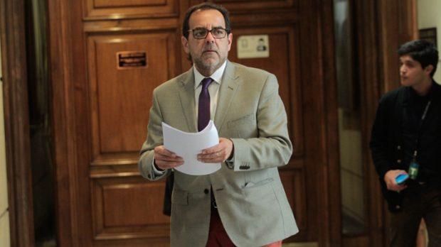 El diputado y presidente de la Federación Regionalista Verde Social, Jaime Mulet, defendió la inclusión de Adriana Barrientos en la lista de candidatos a convencionales constituyentes. Foto: Agencia UNO.