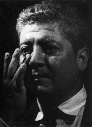 Luis Oyarzún Peña hacia 1960. Fuente: Memoria Chilena.