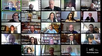 En una ceremonia virtual la U. de Chile distinguió con la Medalla Juvenal Hernández a los académicos María Teresa Ruiz y Grínor Rojo