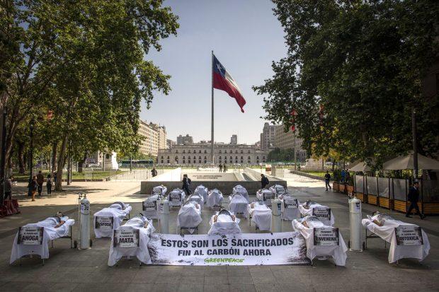 La ONG Greenpeace ha alertado respecto de lo poco ambicioso del plan de descarbonización anunciado por el Gobierno en junio de 2019. Foto: Greenpeace Chile