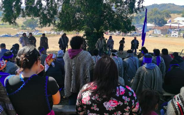 La primera jornada del Lef Trawun de Temucuicui se enfocó en una conversación entre dirigentes mapuche representantes de todo el Wallmapu. La segunda, en cambio, en un diálogo con representantes de la institucionalidad chilena. Foto: Twitter.