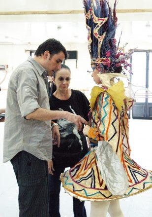 En la imagen, MARCIA HAYDEE SALUDANDO EN EL TEATRO KIROV