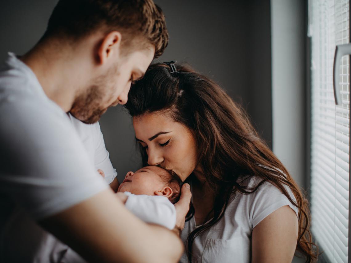 familia-recien-nacido