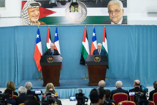 El presidente Sebastián Piñera selló el reconocimiento de Palestina como un Estado independiente con una visita al territorio en 2011. En 2019 volvió al lugar y se reunió cono el presidente palestino Mahmud Abás. Foto: Presidencia.