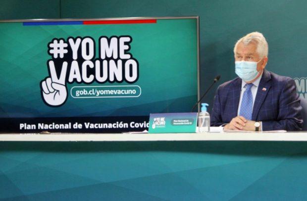 El ministro de Salud, Enrique Paris, destacó el plan de vacunación que hoy bordea los seis millones de chilenas y chilenos inoculados con alguna de las dos dosis. Foto: Ministerio de Salud.