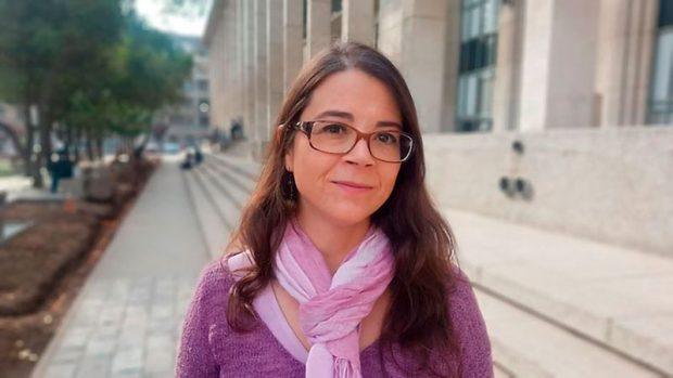 La Dra. Claudia Cortés explica que la vacuna es un elemento más de la prevención del COVID-19, los otros elementos siguen siendo igual de importantes.