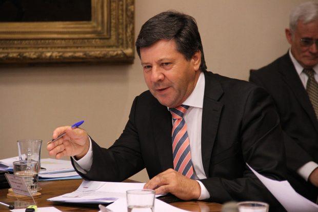 Luego de tres años de militancia en Renovación Nacional, el pasado lunes 11 de marzo el senador por la Región del Maule, Juan Castro, renunció al partido. Foto: Agencia UNO.