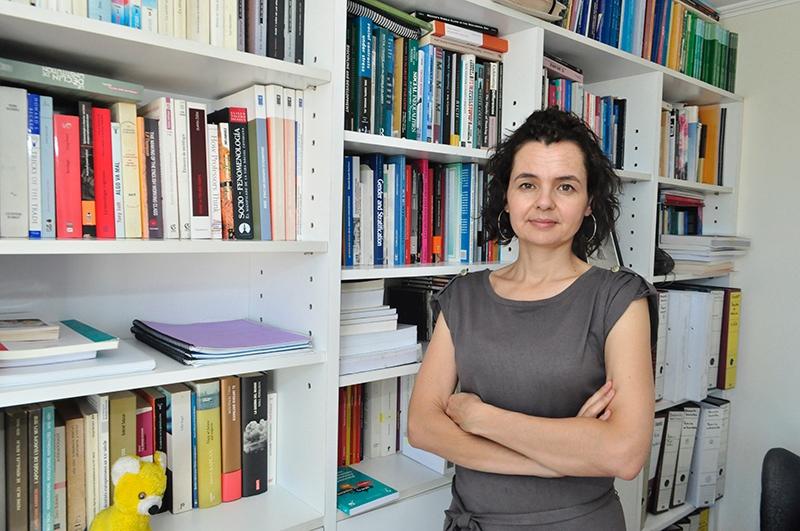 La socióloga, investigadora de la línea de Conflicto Político y Social de COES y profesora del Departamento de Sociología de la Universidad de Chile, Emmanuelle Barozet