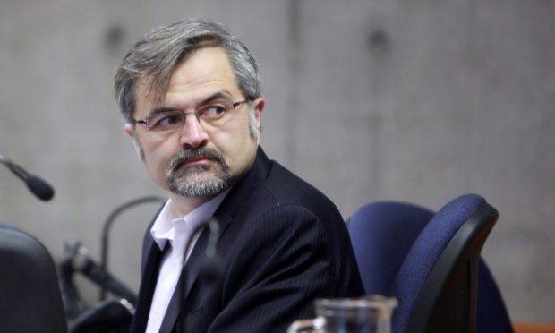 El abogado Luis Mariano Rendón es candidato a constituyente por el Distrito 13 y ya ha interpuesto otras querellas en contra del Presidente Piñera que se encuentra en tramitación. Foto: Agencia UNO.
