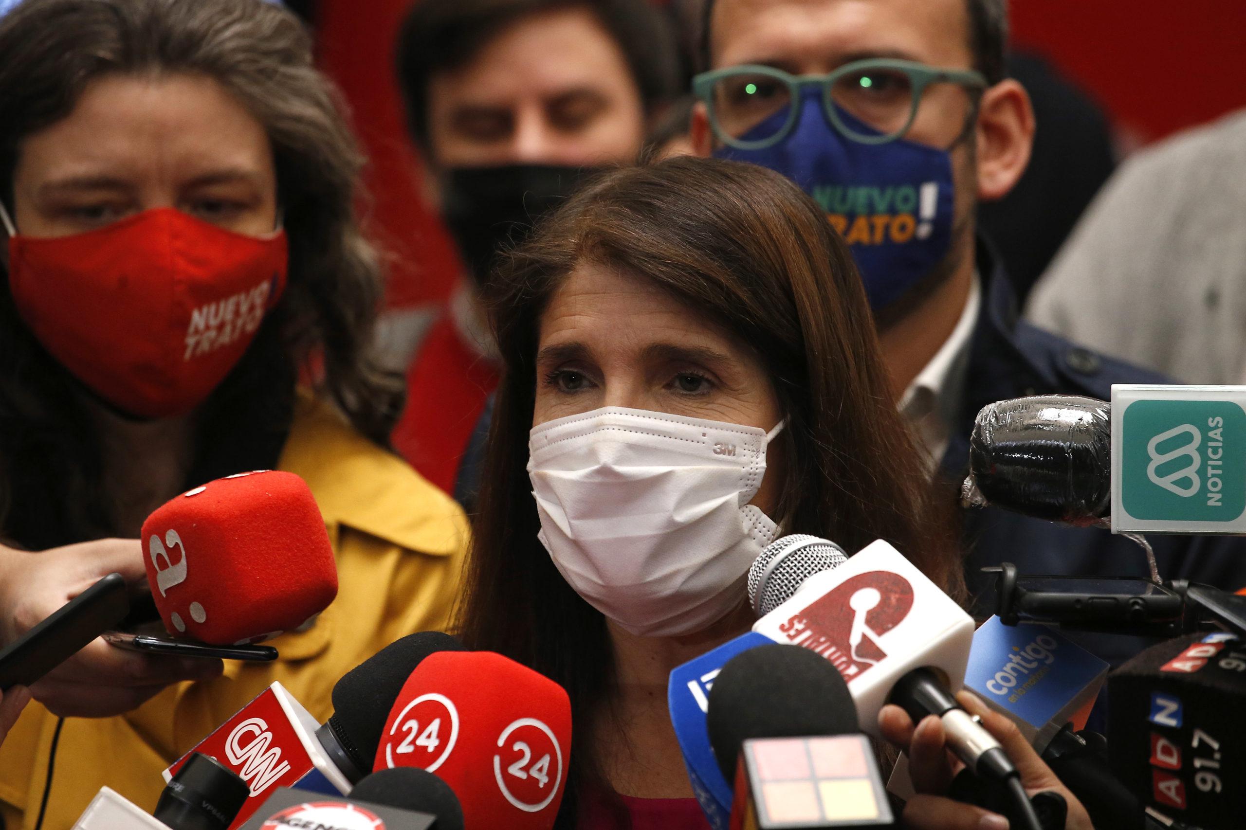 Santiago, 19 de mayo de 2021 La pre candidata presidencial, Paula Narvaez, llega hasta la sede del Partido Socialista. Sebastian Cisternas/Aton Chile