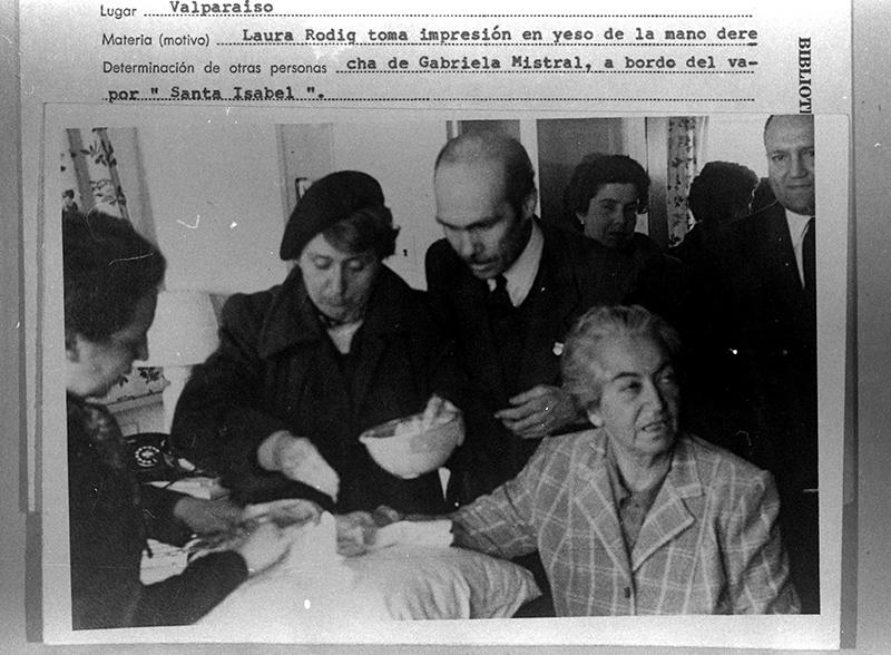 Laura Rodig - Archivo Central Andrés Bello - Universidad de Chile (4)