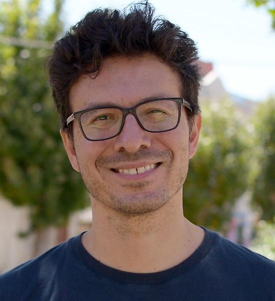 Doctor Rodrigo Young, académico del Institute of Ophthalmology de la University College London.