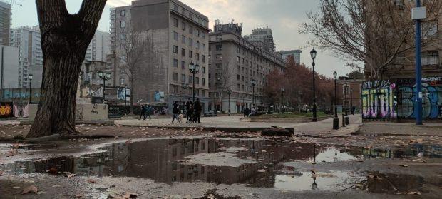 Las precipitaciones de las últimas horas fueron moderadas en Santiago, por lo que el 2021 se puede seguir considerando como un año seco.