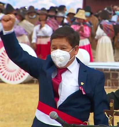 Guido_Bellido._Presidente_Pedro_Castillo_jura_de_manera_simbólica_en_histórica_Pampa_de_Ayacucho_14-9_screenshot_(cropped)