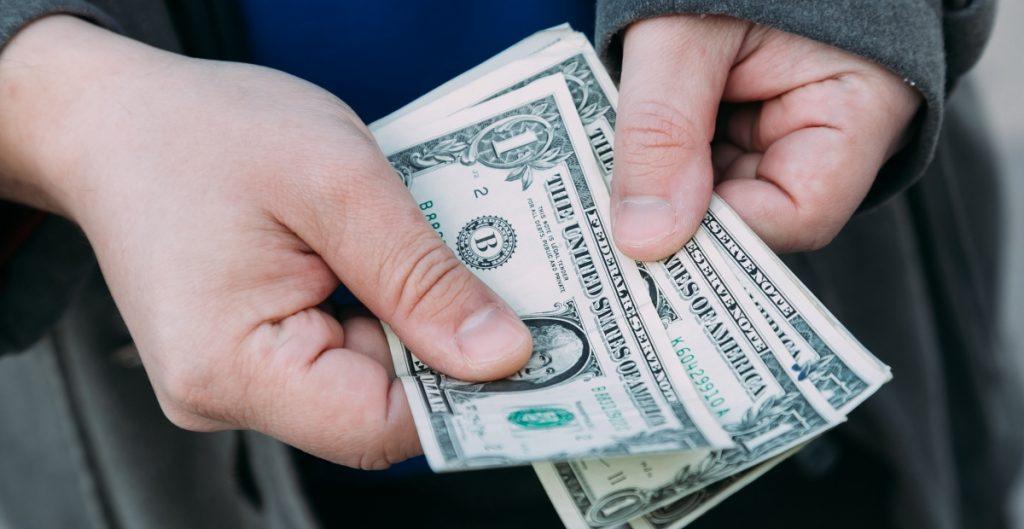 remesas-billetes-dolares-1024x529